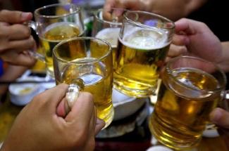 Mơ thấy uống rượu bia là điềm báo gì? Đánh số mấy trúng to?g